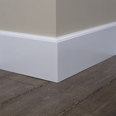 >> Direct de Kraalplint bestellen? Klik hier Baseboard Styles, Baseboard Trim, Baseboards, Baseboard Ideas, Interior Trim, Room Interior, Interior Design Living Room, Style At Home, Greige