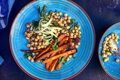 <em>Recipe for Sweet potato fries with mustard & honey chickpeas in english at the bottom of the page.</em>...