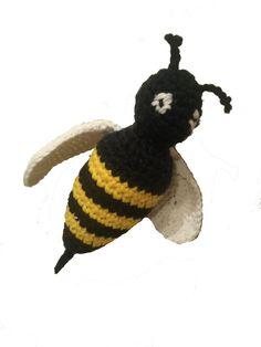 En liten blogg med mycket pyssel!: Virka en geting! (ett bi)