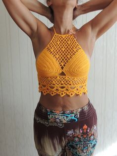 Crochet Top 'Leila'. Handmade in 100% cotton. Hippie/Boho/Coachella. Halter neck. Colour yellow.