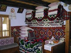 Last Trending Get all images living ro Viral romania living traditions tours in romania Cabins And Cottages, Traditional House, Country Life, Romania, Traveling By Yourself, Furniture Design, House Design, Culture, Interior Design
