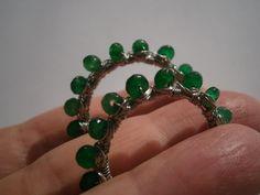 Creolen,smaragdgrün,Ohrringe,wirework,grün von kunstpause auf DaWanda.com