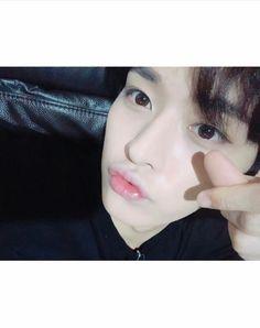 Jisung texted the wrong number. Minho got a text from an unknown num… Lee Minho Stray Kids, Lee Know Stray Kids, Wrong Number, Bias Kpop, Lee Min Ho, Jackson Wang, Fan Fiction, Kpop Boy, Wattpad