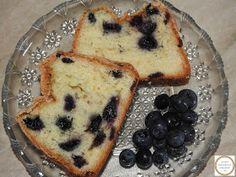 Pandispan pufos cu afine Pancakes, Breakfast, Food, Morning Coffee, Crepes, Pancake, Meals, Yemek, Morning Breakfast