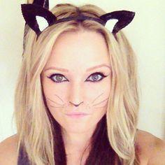 J// Halloween cat makeup