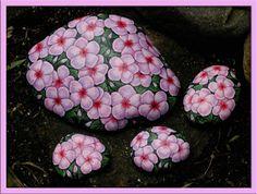 Primrose - Pink...very pretty!!! Dot Art Painting, Mandala Painting, Pebble Painting, Pebble Art, Stone Painting, Diy Painting, Rock Painting Ideas Easy, Rock Painting Designs, Stone Crafts