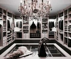 If you're dreaming of a luxury walk-in closet in your home, you're definitely not alone. Visit our gallery of luxurious walk-in closet designs. Master Closet, Closet Bedroom, Closet Space, Master Bedroom, Modern Bedroom, Contemporary Bedroom, Huge Closet, Bedroom Brown, Tiny Closet