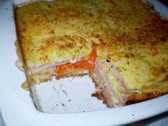 Sanduíche de Forno INGREDIENTES 200g de queijo mussarela fatiada 150g de presunto fatiado 1/2 copo de requeijão 1/2 pacote de pão de forma sem casca 1 xícaras de leite 1 lata de molho de tomate Que…