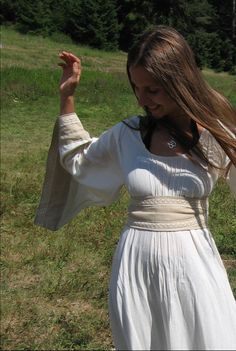 """Maiden Medieval Gown, Linen and Lace. For New Eden Township of 2035-2054 in book series, """"The Biodome Chronicles""""  by Jesikah Sundin (see board for """"Legacy"""", """"Elements"""" and """"Gamemaster"""")."""