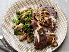 Grilled Rib Eyes with Sauteed Broccoli and Oysters Impress your guests with a luxurious grilled rib-eye steak topped with a creamy oyster sauce and served with a side of ginger-garlic broccoli and oysters. Grilled Steak Recipes, Roast Recipes, Grilling Recipes, Dinner Recipes, Cooking Recipes, Barbecue Recipes, Wok Recipes, Grilled Food, Grilled Beef