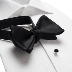 Men's evening wear for every occasion, Dinner suits to Velvet jackets. Black Bow Tie, Black Tie Affair, Men's Fashion, Fashion Moda, Christian Grey, Mens Evening Wear, Tailor Made Suits, Classic Style, My Style