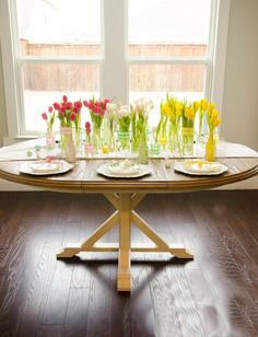Prepare your Easter Table with these easy Easter Table Decorating Ideas! Find easy tips and tricks how to become the perfect Easter hostess! Bunny Crafts, Diy Crafts, Paper Crafts, Diy Party, Party Ideas, Gift Ideas, Diy Confetti, Easter Table Decorations, Gift Tags Printable