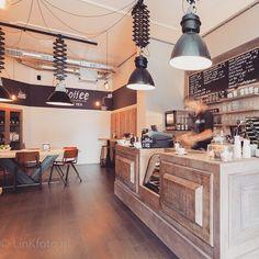 Nieuw koffietentje in de Anegang: Downtown Coffee. Meer in de blog en die staat nu online! #weekend #koffie #haarlem #hotspot #anegang #coffee #cityblog