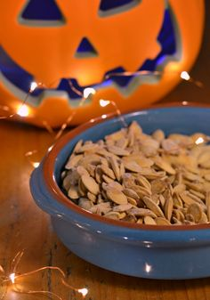 The Crazy Kitchen: Sweet & Salty Roasted Pumpkin Seeds Crazy Kitchen, Roasted Pumpkin Seeds, Everyday Food, Sweet And Salty, A Food, Posts, Recipes, Blog, Messages