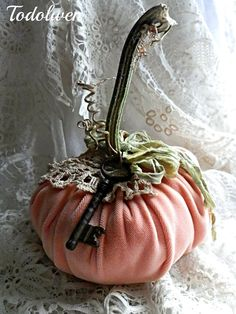 Hello my dear friends, everywhere you look these days, you can find the most beautiful pumpkins created by some very talented person. Velvet Pumpkins, Fabric Pumpkins, Fall Pumpkins, Autumn Decorating, Pumpkin Decorating, Fall Halloween, Halloween Crafts, Shabby Chic Fall, Pumpkin Crafts