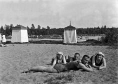 "Lauttasaaren uimaranta "" Kasinon ranta "" 1923. - Finna - Helsingin..."