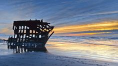 The Peter Iredale shipwreck is located at Fort Stevens State Park in Oregon. (Flickr/W Mustafeez)