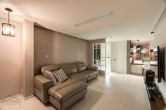 넓어보이는 25평 아파트 인테리어 예쁜집 : 네이버 블로그 Sofa, Couch, Furniture, Home Decor, House, Settee, Settee, Decoration Home, Room Decor