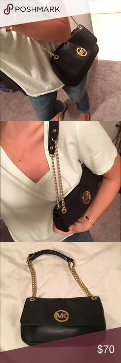Michael Kors black adjustable shoulder bag Michael Kors black adjustable shoulder bag. Amazing condition only worn handful of times! Perfect because it can be a cross body or shoulder bag! Michael Kors Bags Crossbody Bags