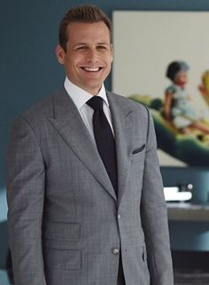 Suits of harvey specter how to dress like him hair styles Harvey Specter Anzüge, Trajes Harvey Specter, Suits Usa, Mens Suits, Suits Series, Suits Tv Shows, Suit Fashion, Mens Fashion, Suits Harvey
