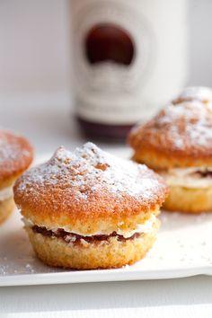 Victoria Sponge Cake by Lorraine Pascale | Sonia nel paese delle stoviglie