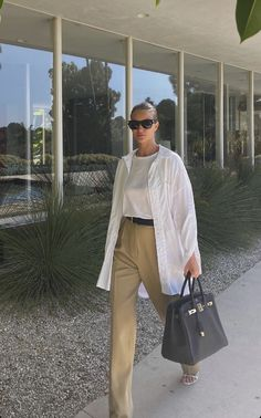Spring Street Style, Casual Street Style, Spring Summer Fashion, Cool Summer Outfits, Pretty Outfits, Spring Outfits, White Shirt Outfits, Casual Outfits, Fashion Outfits