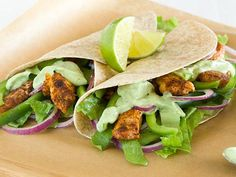 25 Amazing Chicken Recipes, all under 500 calories! http://www.cleaneatingmag.com/How-To/Article/Chicken-Recipes.aspx