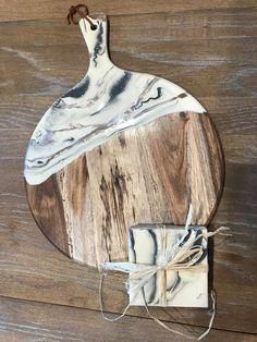 Tablas – Resin art canvas – New Epoxy Diy Resin Art, Epoxy Resin Art, Diy Resin Crafts, Wood Resin, Acrylic Resin, Diy Art, Wood Crafts, Diy Epoxy, Acrylic Pouring Art