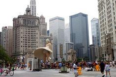 Channel 5 plaza w Marilyn Monroe statue