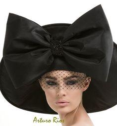 Black Couture Hat Avant garde hat Fashion hat black by ArturoRios