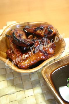 Samoa Food: Moa Samoa - Polynesian Brown Sugar Chicken  This is so mouth watering you keep wanting more and more