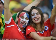 FIFA World Cup Female Fans are very excited for the finals. FIFA World Cup Female Fans has rocked the games with their glamorous looks. Girls Soccer, Soccer Fans, Football Fans, Chi Chi, Brazil T Shirt, England Fans, Toned Stomach, Football Fever, World Cup Match