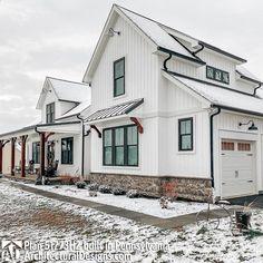 Modern Farmhouse Exterior, White Farmhouse, Ranch Exterior, Farmhouse Style, Farmhouse Decor, Architectural Design House Plans, Architecture Design, Garage Door Makeover, Garage Doors