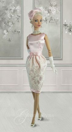fashion doll, vintage look The Effective Pictures We Offer You About fashion Doll A quality picture Barbie Gowns, Barbie Dress, Barbie Outfits, Barbie Clothes Patterns, Doll Clothes, Fashion Royalty Dolls, Fashion Dolls, Barbie Mode, Barbie Wedding