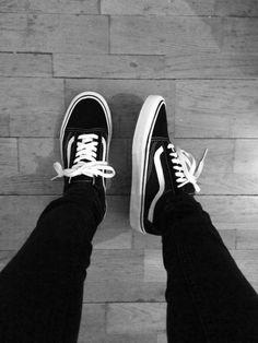 Mens Vans Shoes, Boy Shoes, Vans Sneakers, Portrait Photography Men, Grunge Photography, Trendy Mens Fashion, Creative Shoes, Creative Instagram Photo Ideas, Vans Outfit