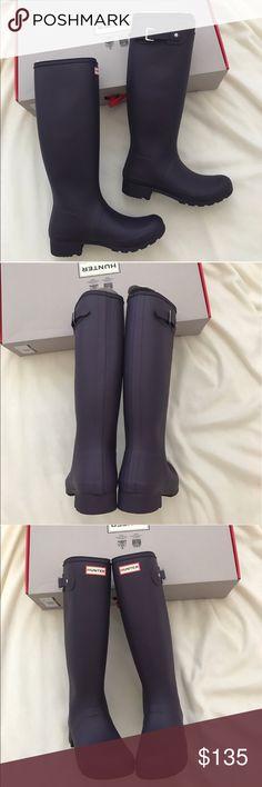 Brand new hunter Original Tour rain boots US size 9, euro 40 Hunter Shoes Winter & Rain Boots
