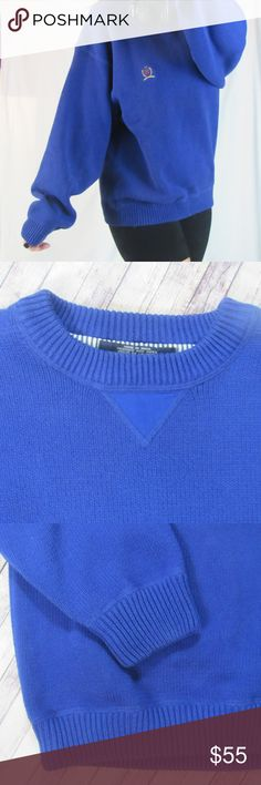 // TOMMY Vintage Sweater// Oversized // Vintage tommy oversized crew neck sweater in excellent like new condition. Oversized fit, best for a Sm-Med in my opinion. The bottom of this sweater is a little more fitted than most of my oversized sweaters and has less stretch to it so if a large it may not fit correctly around the hits for an oversized look.  This is tagged a large, would have a more fitted look to it. Tommy Hilfiger Sweaters