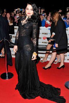 Jessie j looking gothic yet chic.