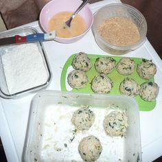 https://tastiedine.wordpress.com/2015/07/02/arancini-cheesy-rice-balls/