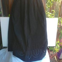 GAP black perforated or cut out  skirt. XS Gap perforated skirt color black size extra small in good shape very cute GAP Skirts