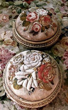 Милые сердцу штучки: рукоделие, декор и многое другое: Скамеечки для ног... вышитые и не только