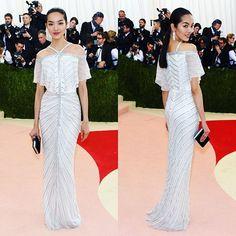 @feifeisun at the #metgala #metball  #fashion #supermodel #fashionmodel #feifeisun #metgala2016 #metball2016 #beautiful #stunning #asianmodel #redcarpet #hollywood #celebrity #celebrities #stunner #beautiful #asian