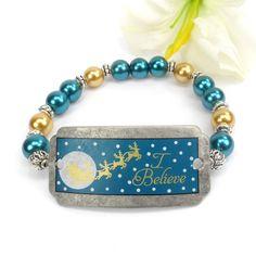 Christmas Bracelet I Believe in Santa Stretch by ABeadedStory