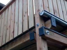 Regen sicherer Holzbalkon. Gleichzeitig auch genutzt als Terrassenüberdachung.