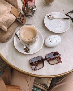 Fresh Coffee, Coffee Love, Coffee Break, Morning Coffee, Classy Aesthetic, Beige Aesthetic, Autumn Aesthetic, Coffee Shop Aesthetic, Cute Cafe