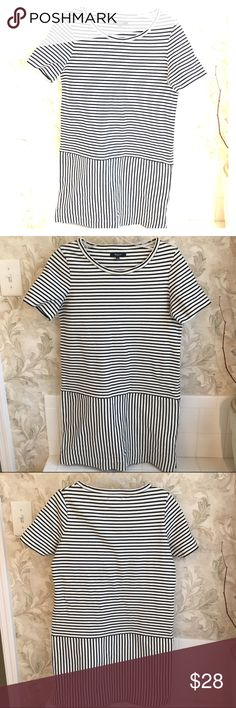 Madewell Striped Summer Dress Lovely Madewell black/ dark navy and white stripe summer dress. T-shirt style but slightly heavier fabric that is stretchy but supportive. This adorable dress is in IMMACULATE condition and I don't think it's ever been worn - It is sadly too small for me. Size S and best suited for someone who is a size 4-6. Hits above knee. Would be great for office to evening! Two front flat pockets (they are still lightly stitched closed from manufacturer so hard to see!)…