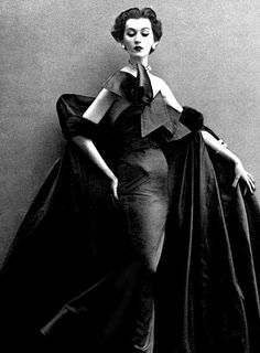 Dovima in an evening dress by Jacques Fath  1950