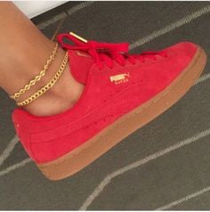 Never been a fan of a red sneaker but these Puma Creepers in Red, might change t. - Never been a fan of a red sneaker but these Puma Creepers in Red, might change that! Red Shoes, Cute Shoes, Me Too Shoes, Red Puma Shoes, Puma Suede Outfit, Red Puma Sneakers, Puma Shoes Women, Puma Outfit, Red Trainers