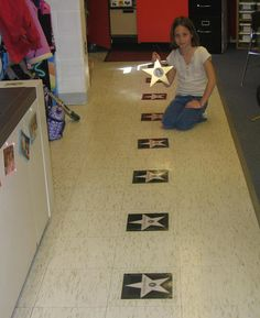 great line up tool. put kits pictures on a star. they stand on their star