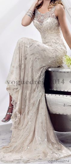 Beautiful #WeddingDress w/ trail